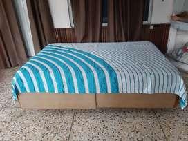 Storage diwan bed and mattress