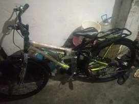 Hercules street rider hybrid bicycle.