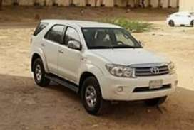 Luxurious car Toyota Fortuner available for Rent with driver