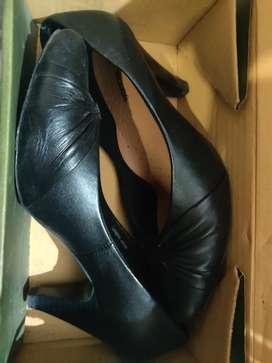 Woodland court shoes (Black ladies sandal)