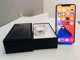 IPHONE 11pro max 64GB 6MONTH WARRANTY