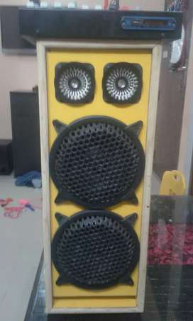 Home  made sound  system with  6 chainel echo  dj mixre