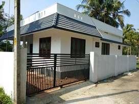 4 cent 900 sqft 2 bhk new build house at varapuzha kongorpally area