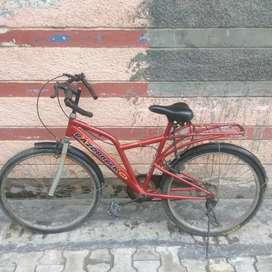 Hero razorback cycle in good condition. Urgent sale.