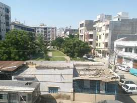 Kohinoor appartment jamshed road 3corner flat ready to live