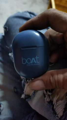 Very nice  product only 10day old 381 boat Bluetoothl