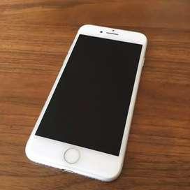 iPhone 7 128 gb looks like new light used