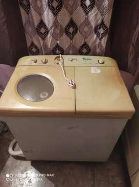 Whirlpool wasing machine semi auto