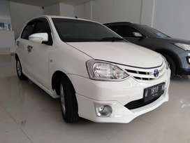 Toyota Etios 1.2 G manual 2013
