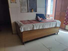 Bed & Diwan for Sale