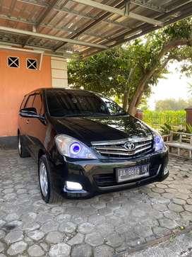 Dijual Toyota Kijang Innova 2.0 V matic hitam 2007 akhir siap pakai