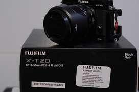 Fujifilm XT-20 with Lensa Fujinon XF 18-55 mm F2.8