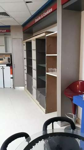 Fully furnished canteen for rent in business hub.