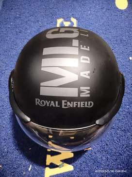Royal enfiled helmet Never Used is Sigle time.
