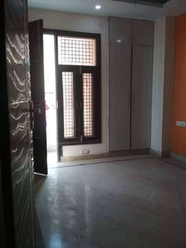 Specious 2 BHK floor Near Rithala Metro Station