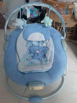 Baby bouncer musical