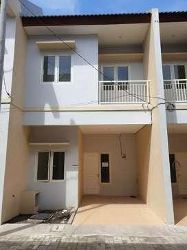 Rumah Siap Huni Bangunan Baru 2 lantai - Kutisari