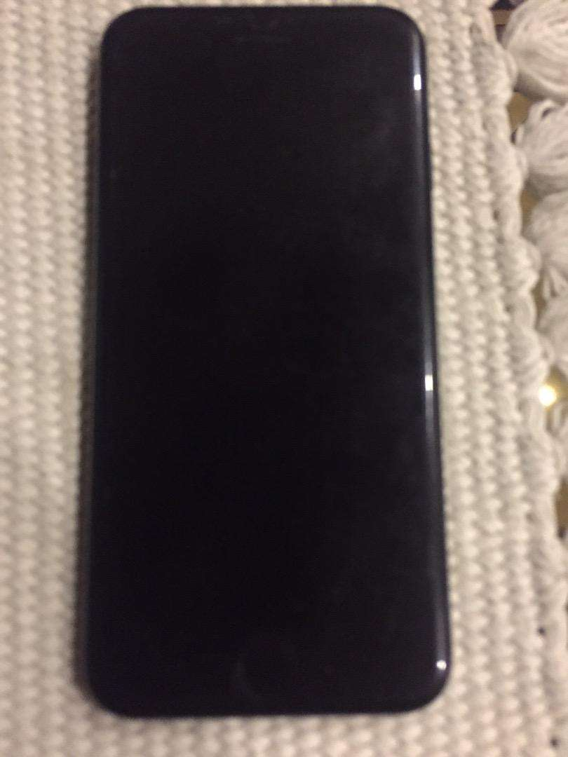 Iphone 7 jet black 128gb in good condition 0