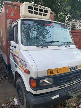 TATA 407 PICK UP 2017 model refrigerator container