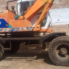 Wheel Excavator Halla 130 for sale