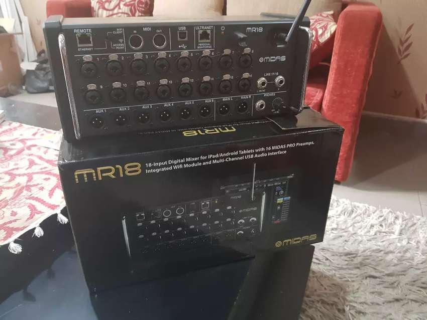 Mixer Midas MR18 Rackmount Digital Mixer 0