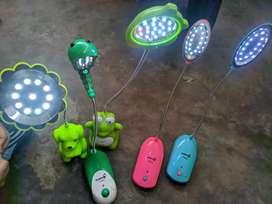Lampu  Belajar LED Portebel Bisa di cas