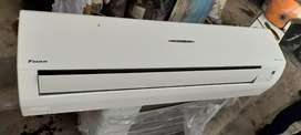 Second hand air-condition with good condition @ warranty