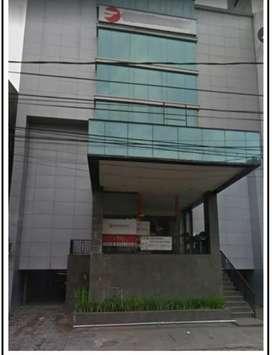 Gedung ex bank dalam kota area perkantoran