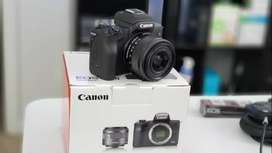 Canon m50 wit kit lens new condition with bag+ 2 extra battery +1 extr