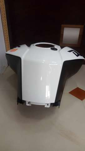 Ktm 200 fual tank cover