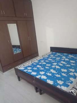 PG available with food for Girls in sector 69, 71 & phase 8