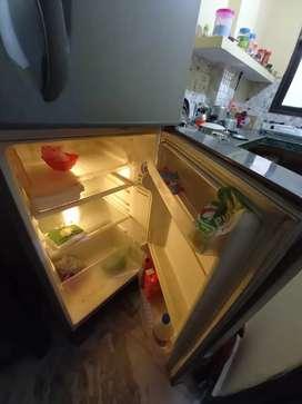 245L LG Refrigerator Good condition