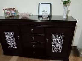 Chest of drawer,