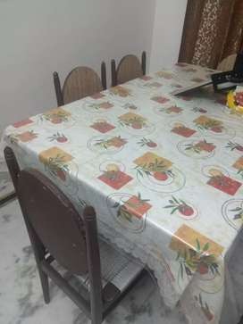 6 seater dining table available at take away price
