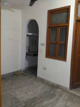 INDEPENDENT ONE ROOM SET AVAILABLE FOR RENT IN MAYUR VIHAR PHASE 1