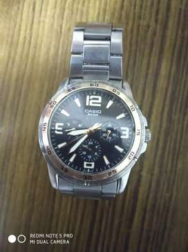 CASIO WR 50M in good condition radium coated