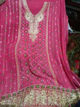 Embroidery krinkle suit in only Rs.1600