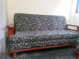 Only 20 months old sofa set and center table