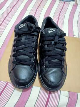 Original.nike brand  leather uppar and rubbar sole.size 8.5