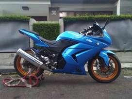 Moge Kawasaki Ninja 250 R Karbu Biru Metalik Terawat