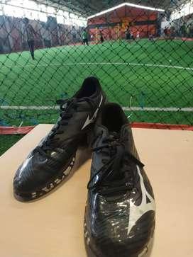 Sepatu Futsal Mizuno Basara Black White Size 42