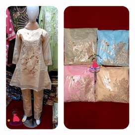 Clothes for ladies and childrens