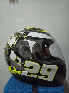 Dijual helm KYT vendetta 2 karna mau pindah baru nya pasaran 1.200