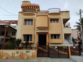 House 3 BHK for rent first floor semifurnished