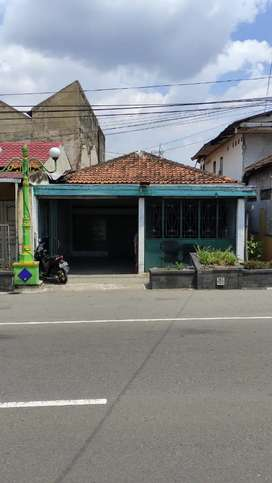Rumah dijalan raya Klaten Jogja - Solo