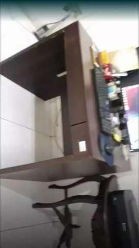 Jual meja untuk belajar atau untuk staff kantor