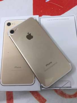 I am selling iphone 7 128gb with bill box 6 month sellers warranty