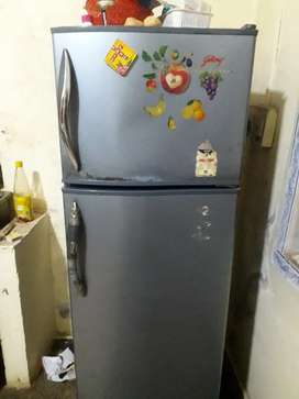Godrg refrigerator  dubbel door  good condition