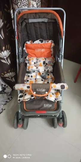 LUVLAP SUNSHINE BABY STROLLER SM18107 ORANGE