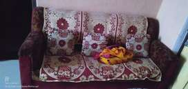 Sofa set full 3+2 size big size good condition price negotiable